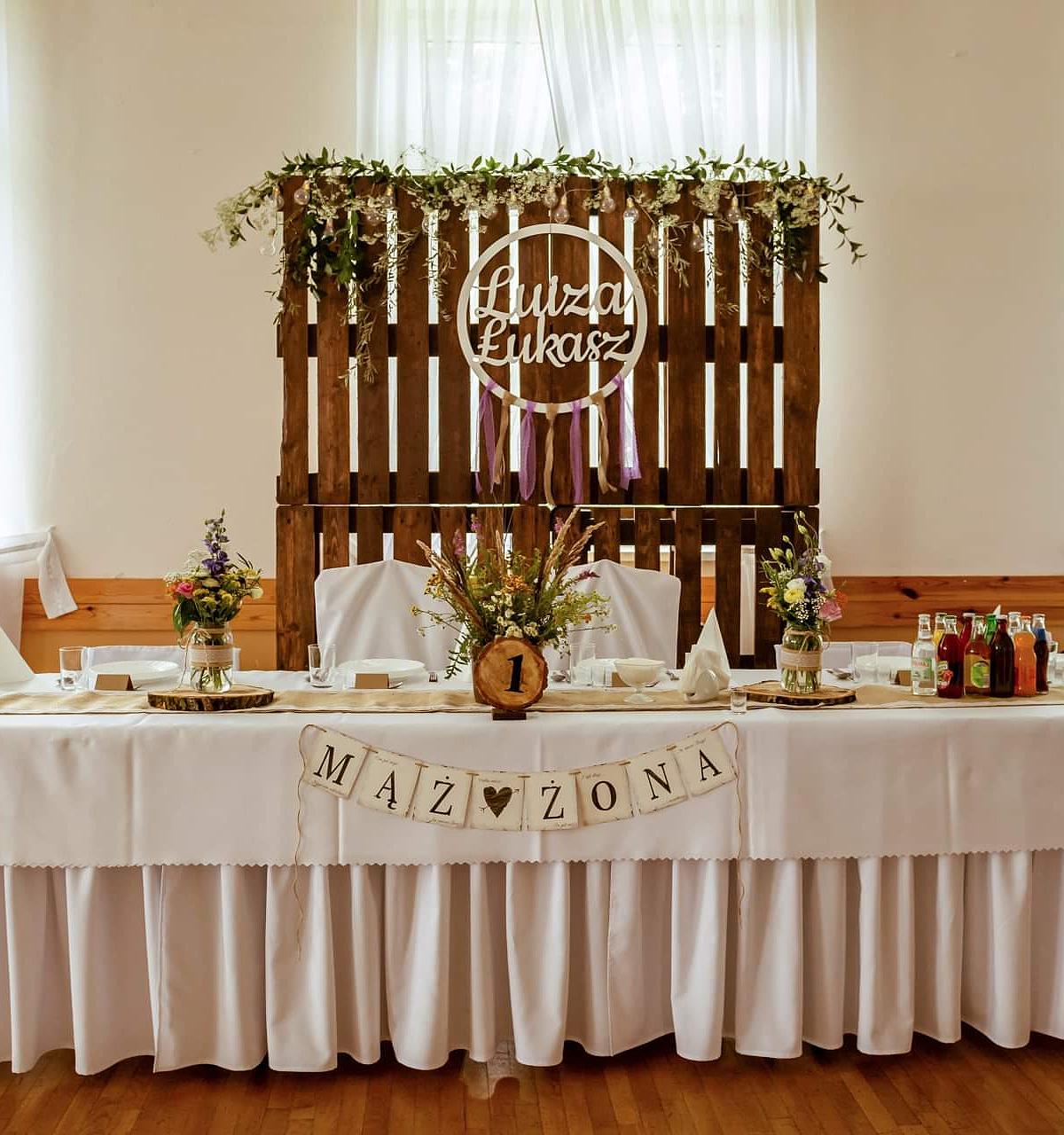 Stół prezydialny dla pary młodej - styl boho