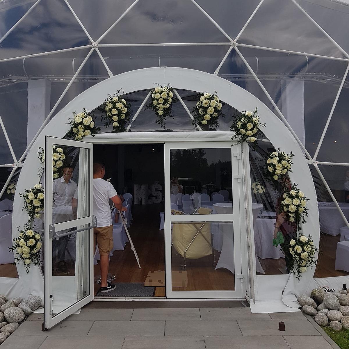 Wejście na salę weselną - czerwiec 2021r.